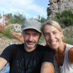 Jutta & Alex - Sprinter 906 Unsere nächste Wohnkabine wird wieder eine BrainBOXX. Danke!  Offroad seit 20 Jahren. Nach HZJ und Dachzelt hatten wir diverse Kastenwägen wie Sprinter und Crafter. Irgendwie hat immer was gefehlt. Seit 2 Jahren fahren wir die BrainBOXX auf dem Sprinter 4x4 Oberaigner Umbau. Waren schon in Marokko, Portugal und Georgien. Wir sind top zufrieden - endlich genug Platz um auch bei schlechtem Wetter ein paar Tage auszuhalten und großartige Stabilität in allen Situationen. 